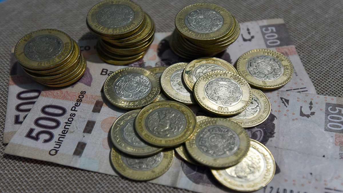 Ingresos tributarios se encuentran en 2.3%: AMLO