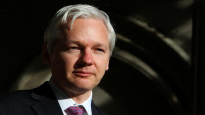 Julian Assange: inicia audiencia de extradición ante justicia británica