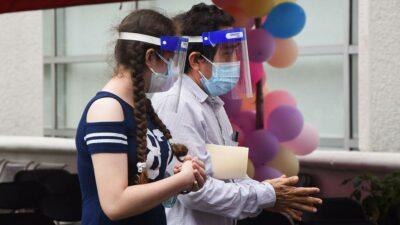 Vacunación contra COVID-19 de menores: así fue el primer día