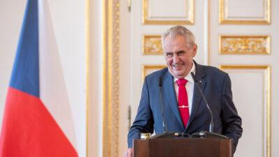 Presidente checo Milos Zeman en cuidados intensivos