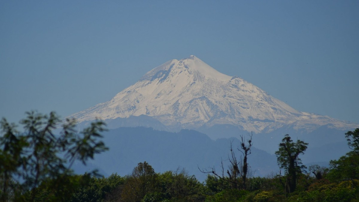Volcán Citlaltépetl: Realizan misa en lo más alto del Pico de Orizaba