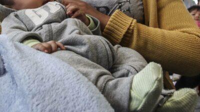 Se hace pasar por doctora y roba a bebé en CDMX