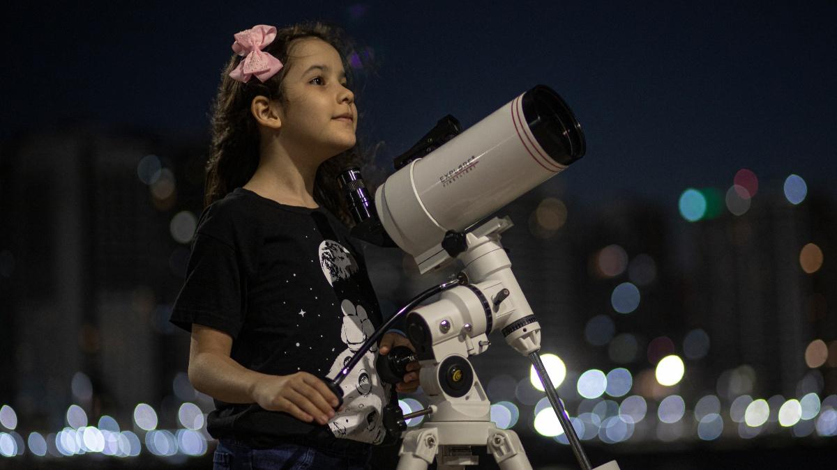 Nicole Oliveira es la astrónoma más joven