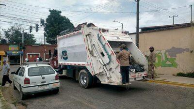 Oaxaca: Reanudan servicio de limpia tras días de paro