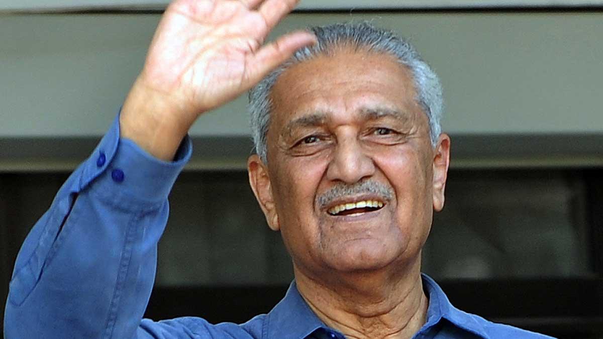 Muere el padre de la bomba atómica en Pakistán, Abdul Qadeer Khan