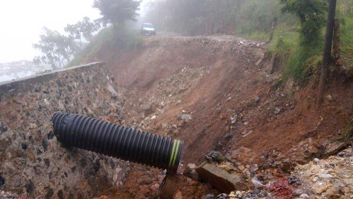 Puebla: lluvia desgaja cerro y deja municipios incomunicados