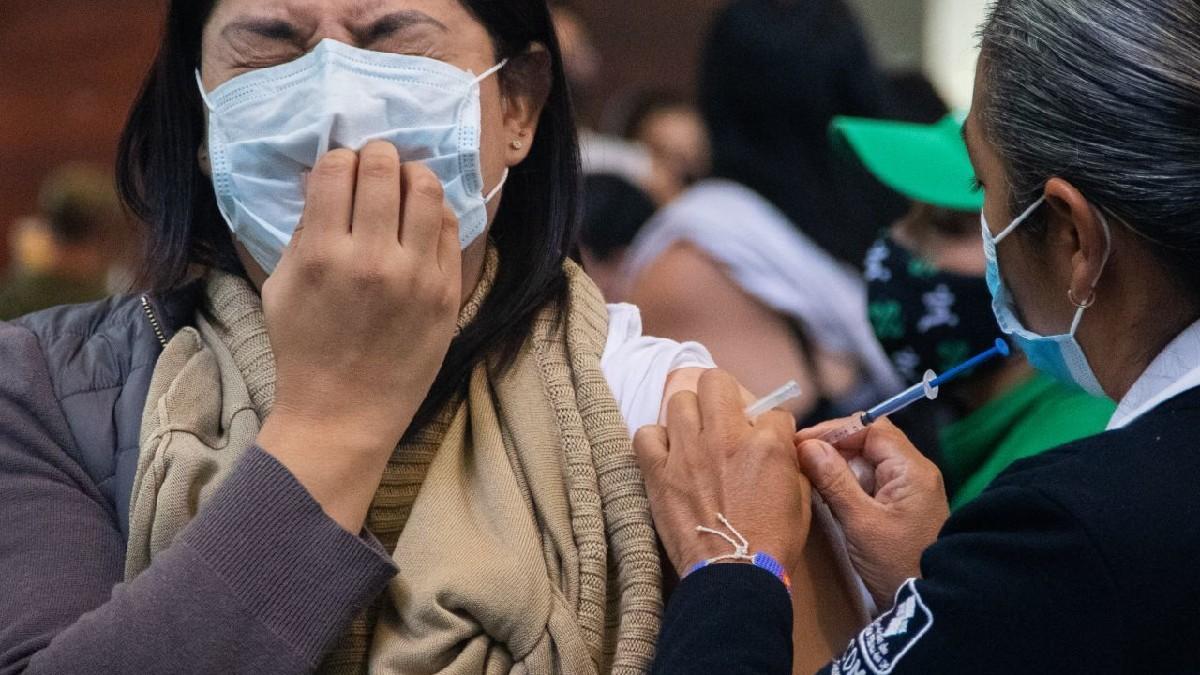 Treintañero, inicia vacunación de segunda dosis en Iztacalco e Iztapalapa